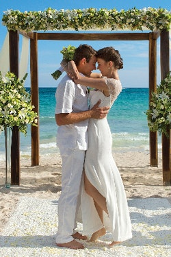 Intimate Weddings in Paradise with AMResorts