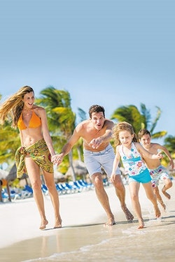 Bigger savings! Celebrate Your Family Christmas & New Years at the Beach | Save up to $550CAD