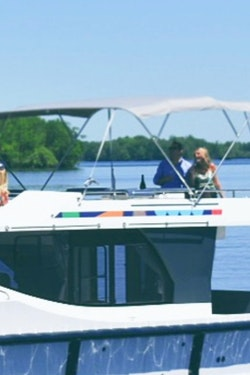 Luxury Houseboat Holidays in  Ontario